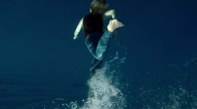 水中を走っています? Naughty Boy – Runnin'